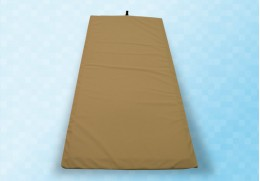 Tapis d'amortissement anti-chute à poser au pied du lit médical